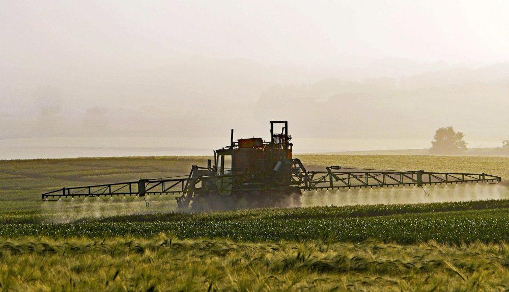 Pesticides : l'Etat est attaque pour non protection de l'environnement